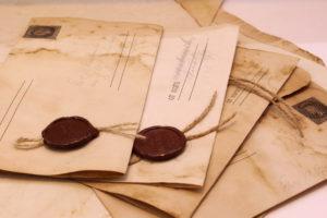 Сургучные печати на письмах